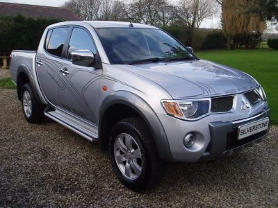 Mitsubishi L200 2.5 Double Cab DI-D Animal 4WD 158Bhp Pick Up Diesel SilverMitsubishi L200 2.5 Double Cab DI-D Animal 4WD 158Bhp Pick Up Diesel Silver at Silverstone Car Sales Worksop