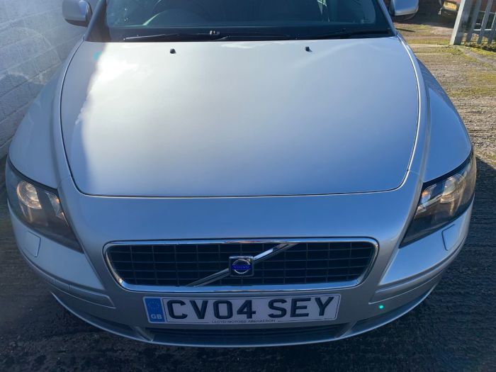 Volvo S40 2.4i SE 4dr Saloon Petrol Silver