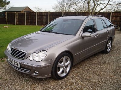Mercedes-Benz C Class 2.1 C220 CDI Avantgarde SE 5dr Auto Estate Diesel SilverMercedes-Benz C Class 2.1 C220 CDI Avantgarde SE 5dr Auto Estate Diesel Silver at Silverstone Car Sales Worksop