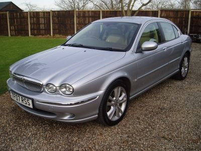 Jaguar X-Type 2.0d Sovereign 4dr Saloon Diesel SilverJaguar X-Type 2.0d Sovereign 4dr Saloon Diesel Silver at Silverstone Car Sales Worksop