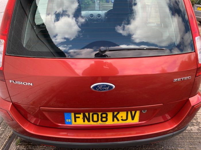 Ford Fusion 1.6 Zetec 5dr [Climate] Hatchback Petrol Orange