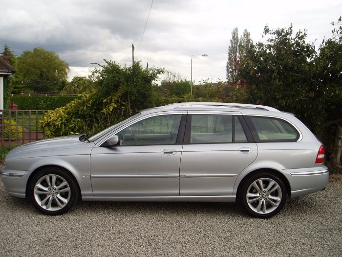 Jaguar X-Type 2.2d Sovereign 5dr Estate Diesel Silver