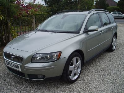 Volvo V50 2.0D SE 5dr [Euro 4] Estate Diesel GreenVolvo V50 2.0D SE 5dr [Euro 4] Estate Diesel Green at Silverstone Car Sales Worksop