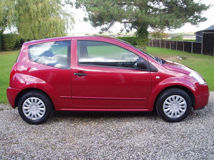 Citroen C2 1.1i Design 3dr Hatchback Petrol Red