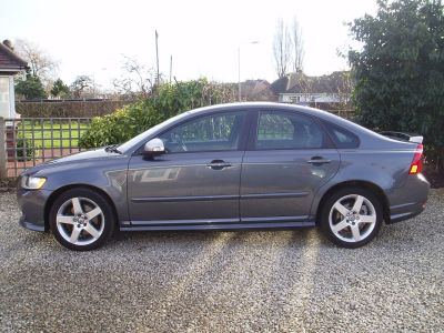 Volvo S40 2.0D R DESIGN 4dr Saloon Diesel GreyVolvo S40 2.0D R DESIGN 4dr Saloon Diesel Grey at Silverstone Car Sales Chesterfield