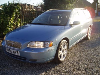 Volvo V70 2.4 170 SE 5dr Auto Estate Petrol BlueVolvo V70 2.4 170 SE 5dr Auto Estate Petrol Blue at Silverstone Car Sales Mansfield