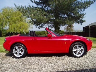 Mazda MX-5 2.0i 2dr Convertible Petrol RedMazda MX-5 2.0i 2dr Convertible Petrol Red at Silverstone Car Sales Mansfield