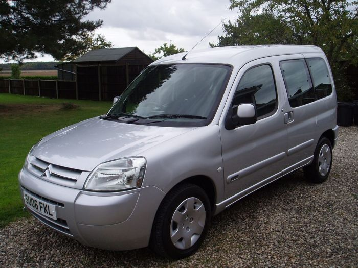 Citroen Berlingo Multispace 1.6i 16V Forte 5dr Estate Petrol Silver