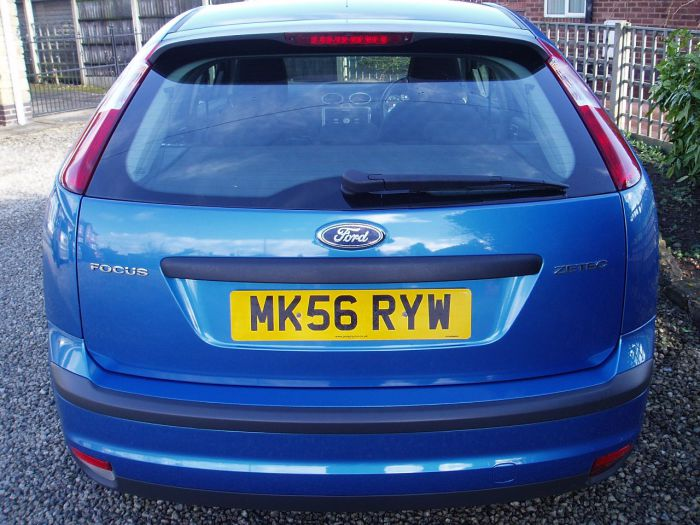 Ford Focus 1.6 Zetec 5dr [Climate Pack] Hatchback Petrol Blue