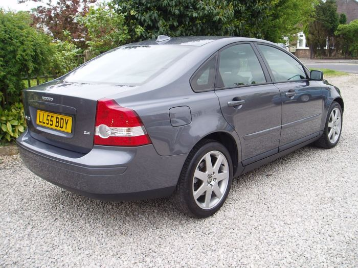 Volvo S40 2.4i SE 4dr Geartronic Saloon Petrol Grey