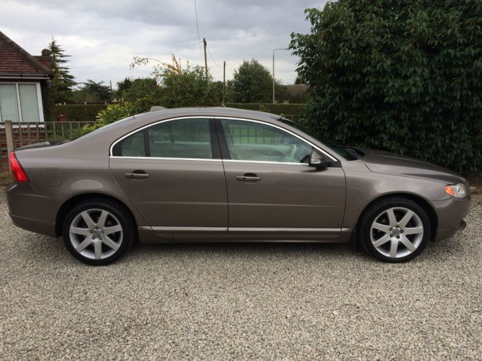 Volvo S80 2.4 D5 SE 4dr Geartronic [185] Saloon Diesel Gold