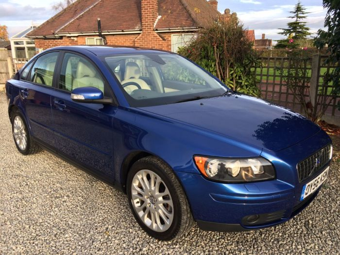 Volvo S40 2.4i SE 4dr Geartronic Saloon Petrol Blue