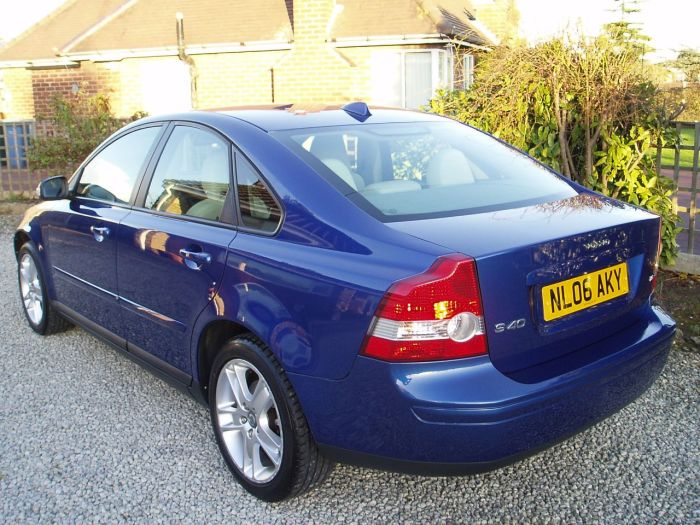 Volvo S40 1.8 SE 4dr Saloon Petrol Blue