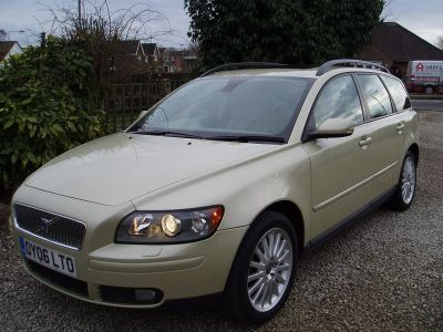 Volvo V50 2.0D SE 5dr [Euro 4] Estate Diesel GreenVolvo V50 2.0D SE 5dr [Euro 4] Estate Diesel Green at Silverstone Car Sales Mansfield