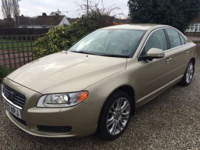 Volvo S80 2.4 D5 SE Lux 4dr Geartronic [185] Saloon Diesel GoldVolvo S80 2.4 D5 SE Lux 4dr Geartronic [185] Saloon Diesel Gold at Silverstone Car Sales Chesterfield
