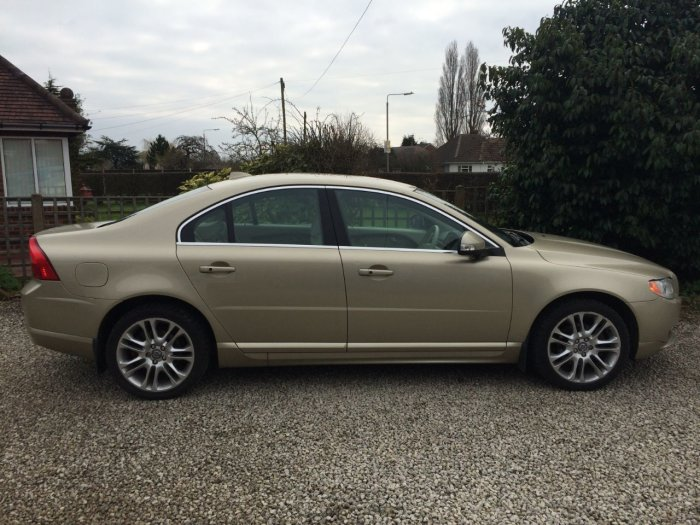 Volvo S80 2.4 D5 SE Lux 4dr Geartronic [185] Saloon Diesel Gold