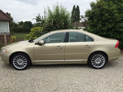 Volvo S80 2.4 D5 Executive 4dr Geartronic [185] Saloon Diesel GoldVolvo S80 2.4 D5 Executive 4dr Geartronic [185] Saloon Diesel Gold at Silverstone Car Sales Mansfield
