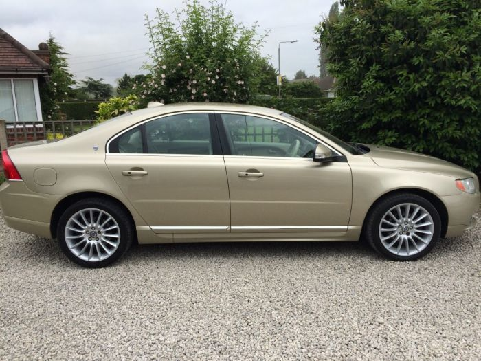 Volvo S80 2.4 D5 Executive 4dr Geartronic [185] Saloon Diesel Gold
