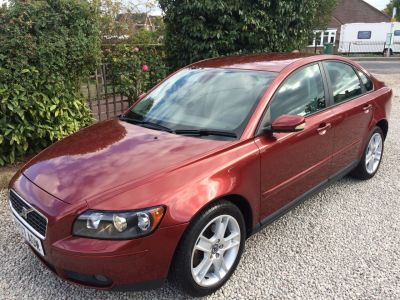 Volvo S40 2.4i SE 4dr Geartronic Saloon Petrol RedVolvo S40 2.4i SE 4dr Geartronic Saloon Petrol Red at Silverstone Car Sales Mansfield