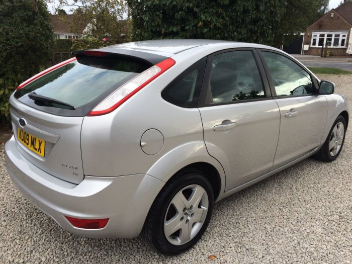 Ford Focus 1.6 Style 5dr Hatchback Petrol Silver