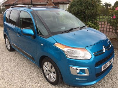 Citroen C3 Picasso 1.6 HDi 8V Exclusive 5dr MPV Diesel BlueCitroen C3 Picasso 1.6 HDi 8V Exclusive 5dr MPV Diesel Blue at Silverstone Car Sales Mansfield