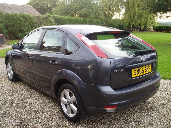 Ford Focus 1.6 Zetec 5dr [115] [Climate Pack] Hatchback Petrol Grey