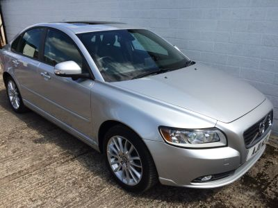 Volvo S40 1.6 DRIVe [115] SE Lux Edition 4dr Saloon Diesel SilverVolvo S40 1.6 DRIVe [115] SE Lux Edition 4dr Saloon Diesel Silver at Silverstone Car Sales Mansfield