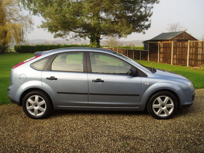 Ford Focus 1.6 Sport 5dr Hatchback Petrol Blue